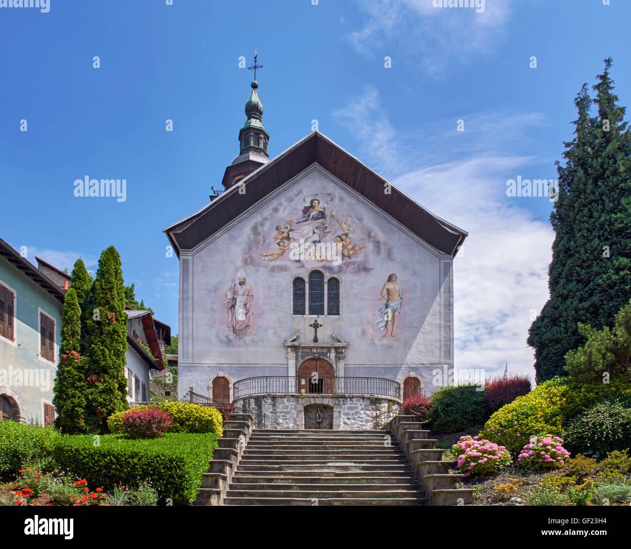Église Notre-Dame-de-l'Assomption in the medieval village of Conflans. Albertville, Savoie, France. Stock Photo