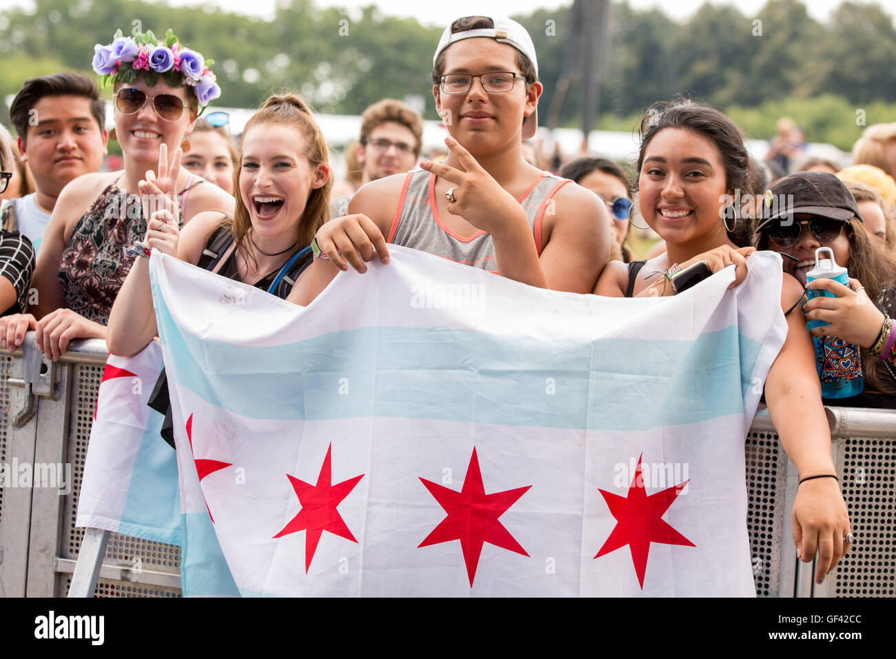 Chicago, Illinois, USA. 28th July, 2016. Fans enjoy the music during Lollapalooza Music Festival at Grant Park in - Stock Image