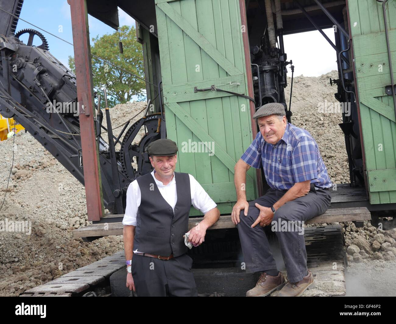 near Malvern, UK. 29th July, 2016. David Lee and his father Graham from Tamworth by thier 1915  Ruston Erie Steam - Stock Image