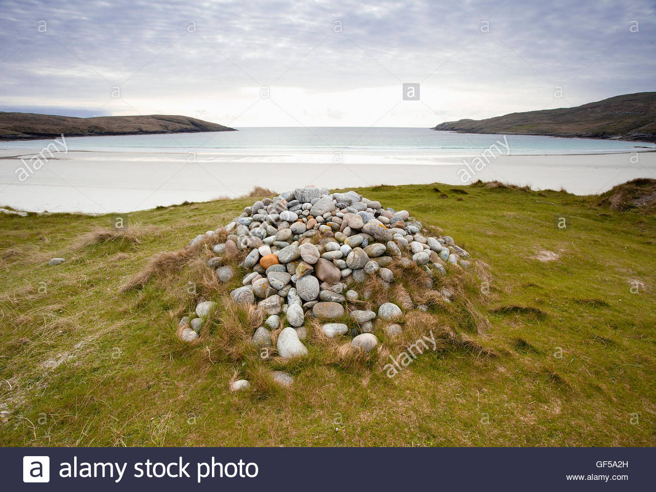 The Annie Jane Cairn above West Bay on the Island of Vatersay, Outer Hebrides, Scotland. Stock Photo