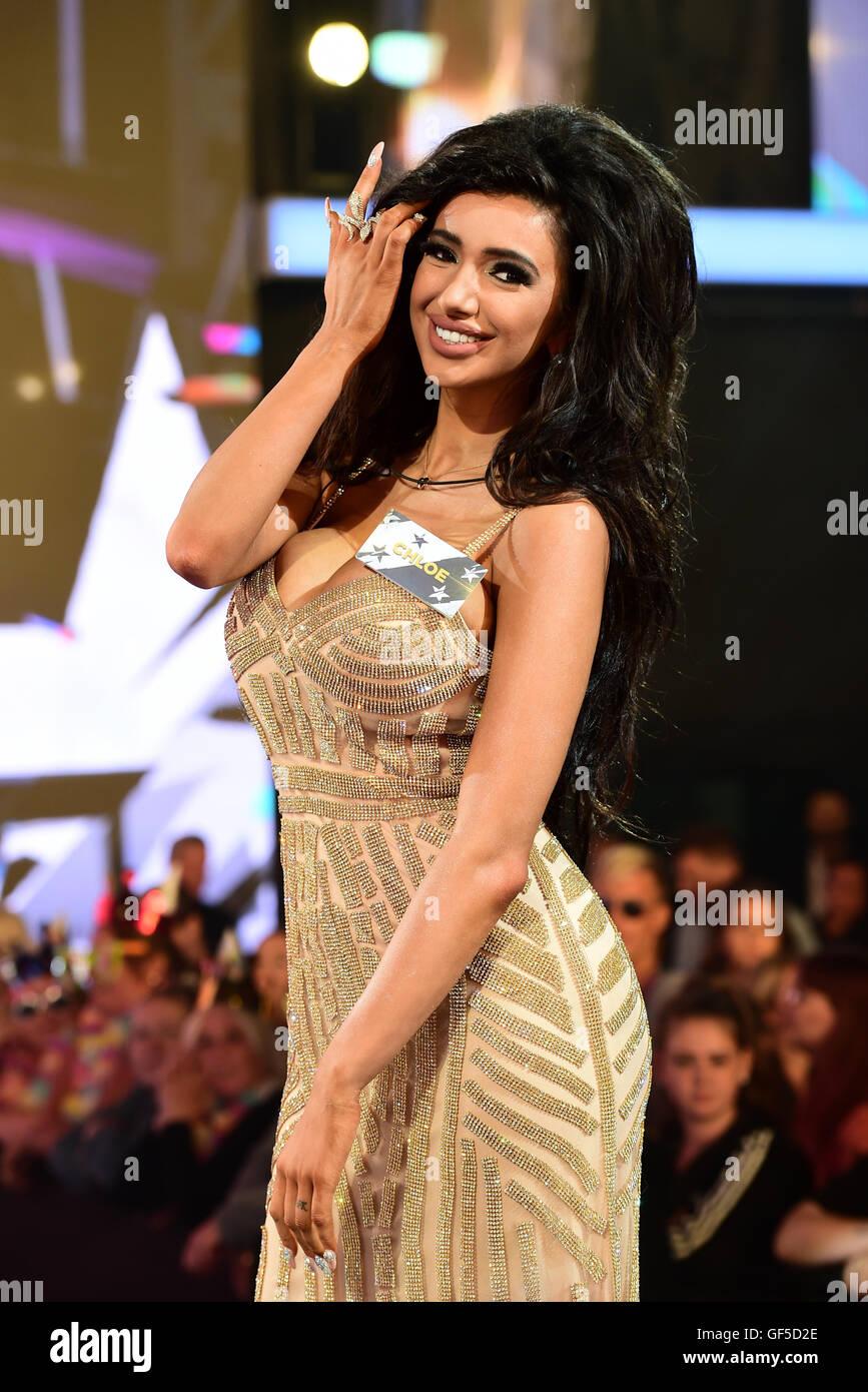 Celebrity Chloe Khan nudes (49 images), Twitter