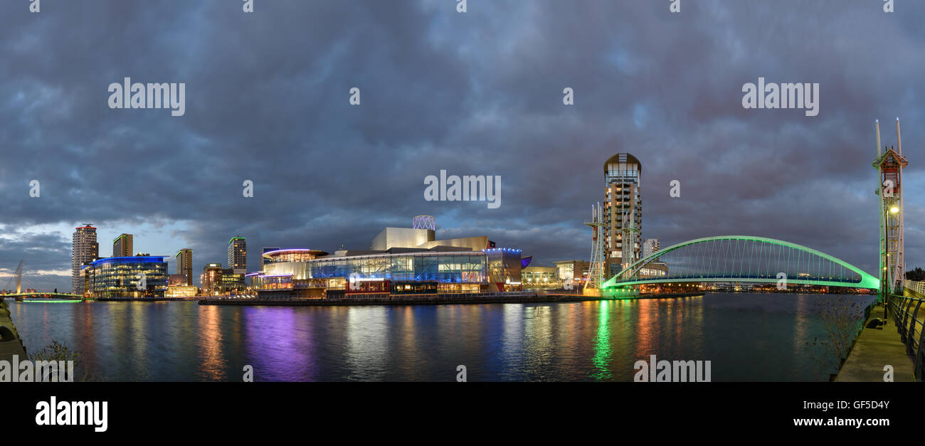The Quays is Greater Manchester's unique waterfront destination, situated just 15 minutes by tram from Manchester - Stock Image