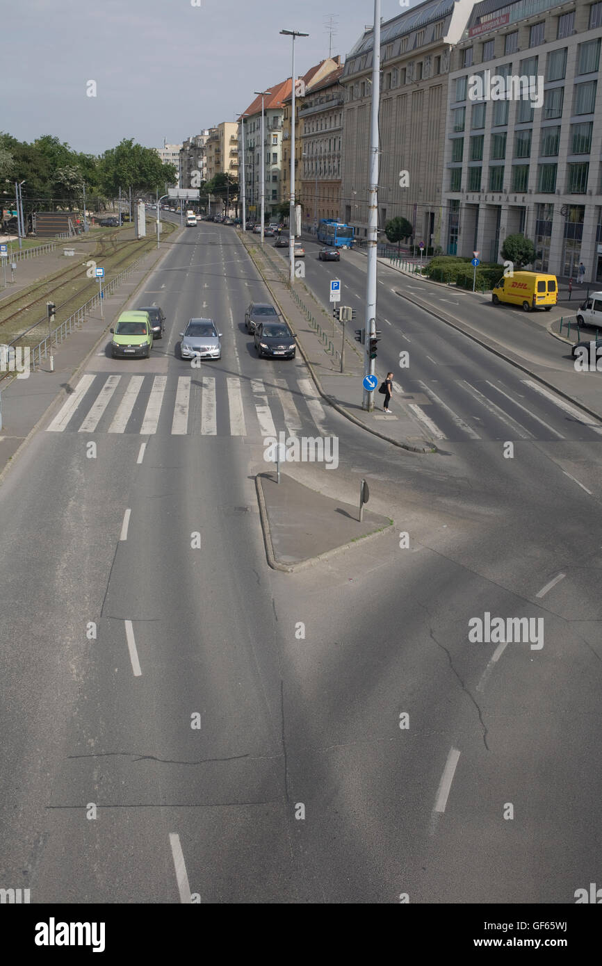 Kozraktar with southbound cars stopped at traffic lights - Stock Image