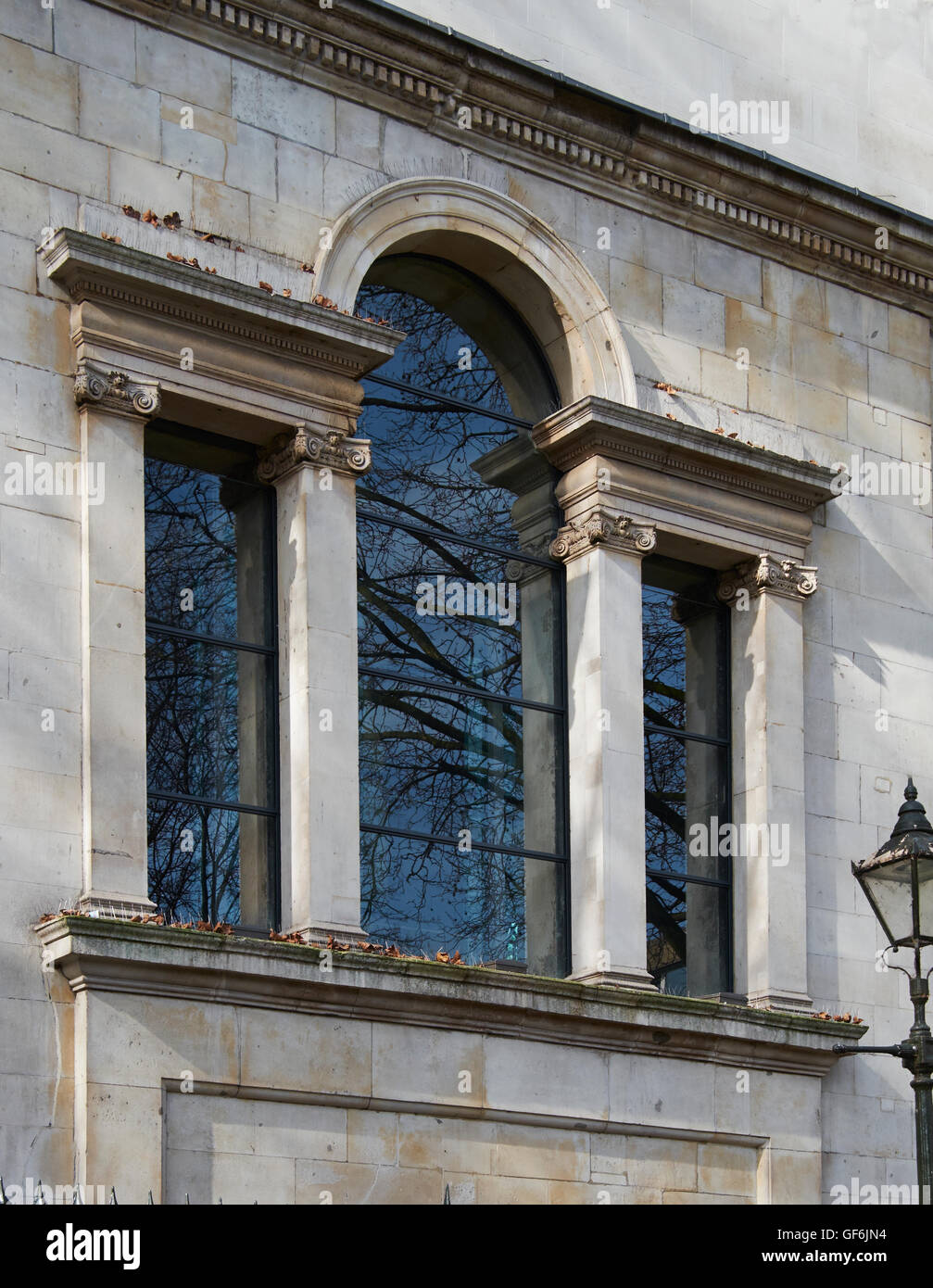 St Luke Old Street, Venetian window. Probably the joint design of John James and Nicholas Hawksmoor, 1727-1733. - Stock Image