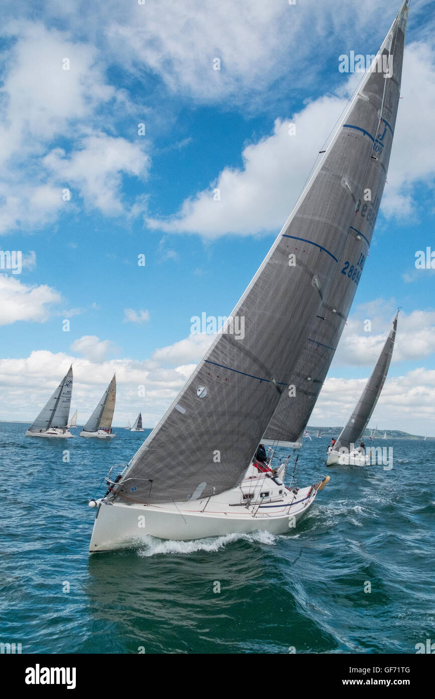 yacht race racing boat boats yachts sport sporting - Stock Image