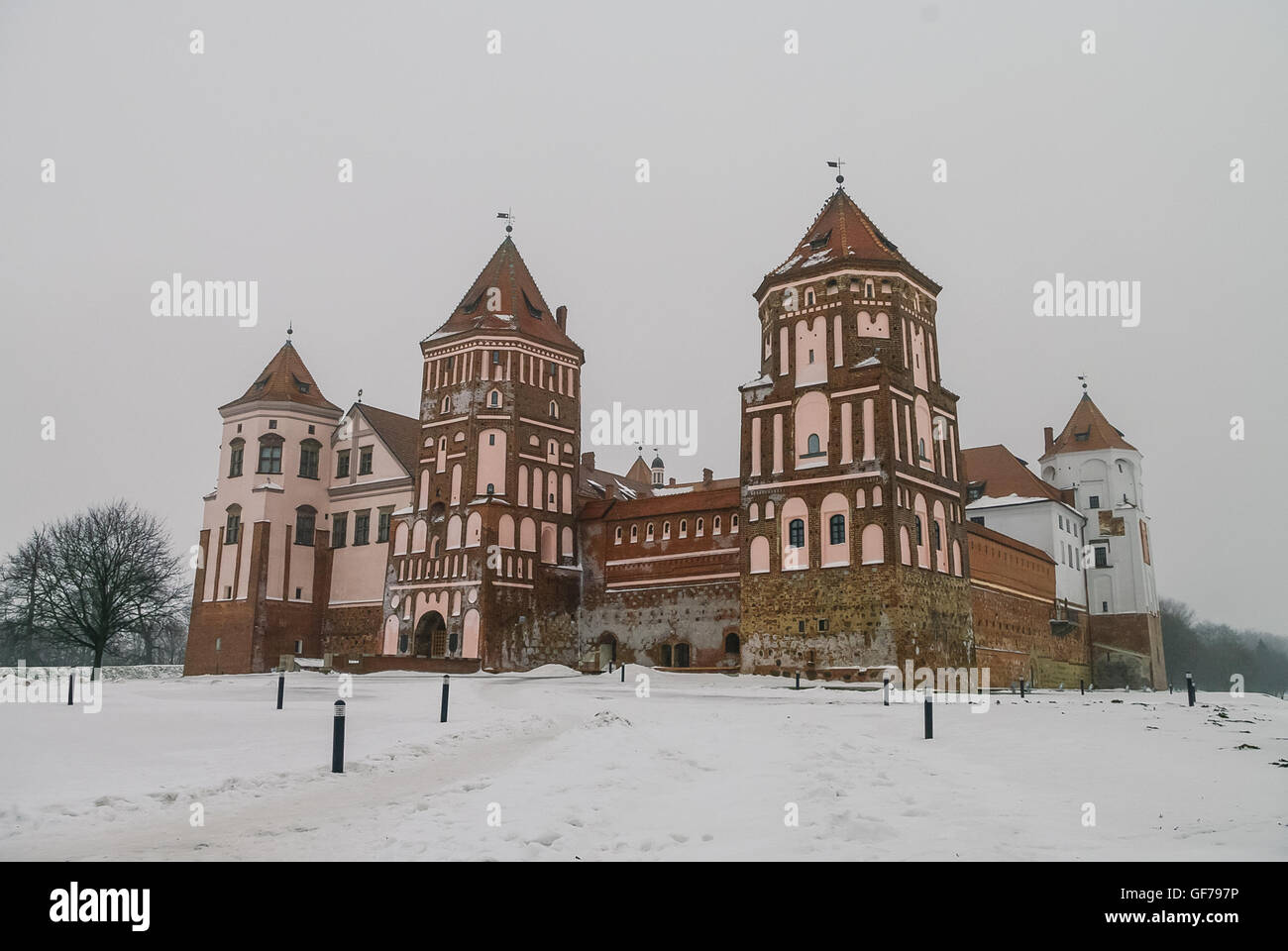 Mir medieval castle complex in winter with snow. Belarus (UNESCO world heritage site) - Stock Image