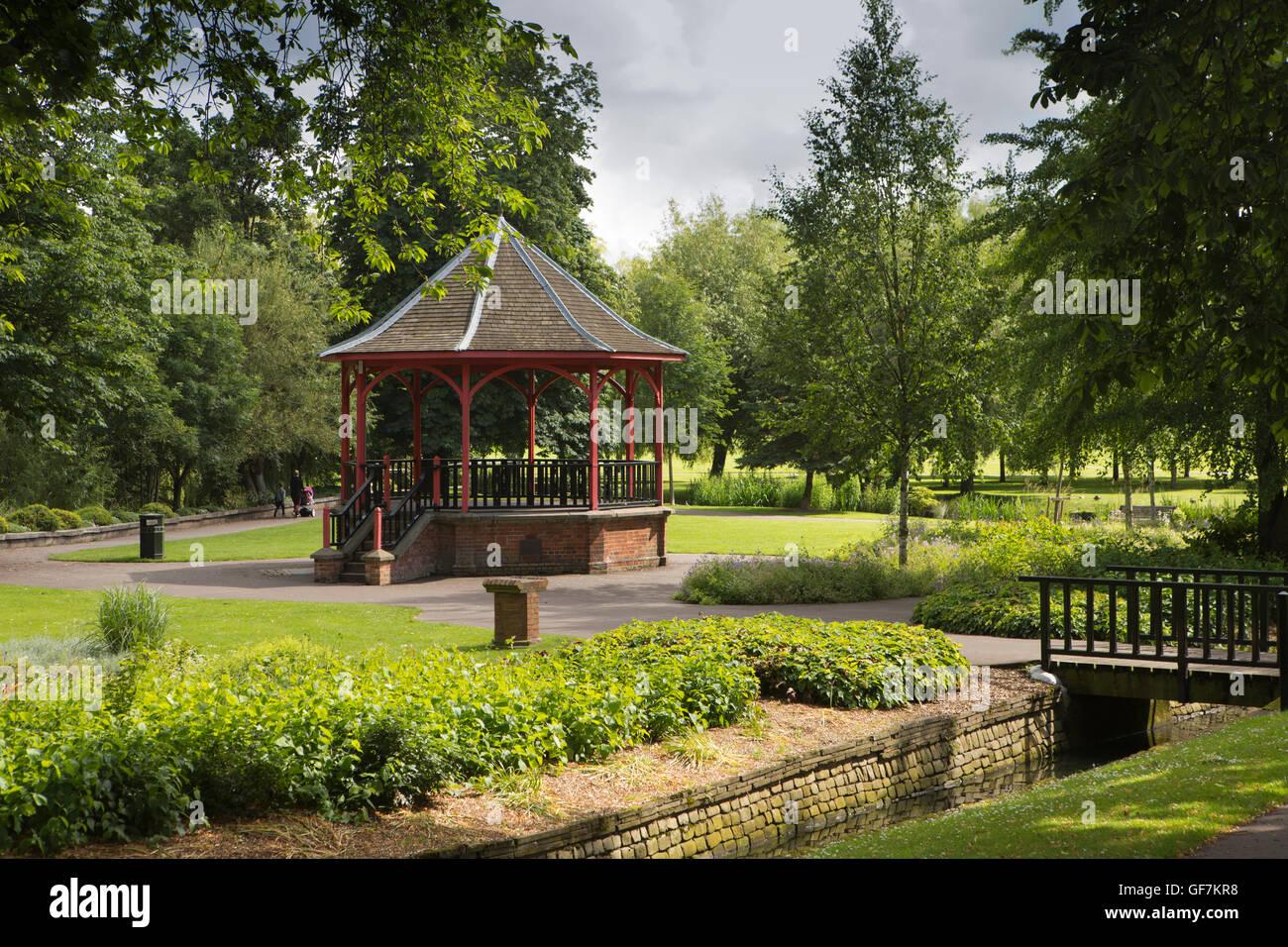 UK, England, Norfolk, King's Lynn, The Walks public park, Vancouver Gardens bandstand - Stock Image