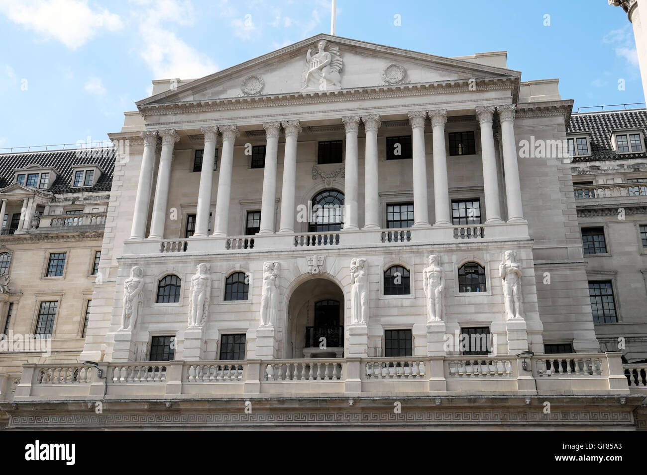 bank-of-england-building-exterior-facade-figures-and-old-lady-of-threadneedle-GF85A3.jpg?profile=RESIZE_400x