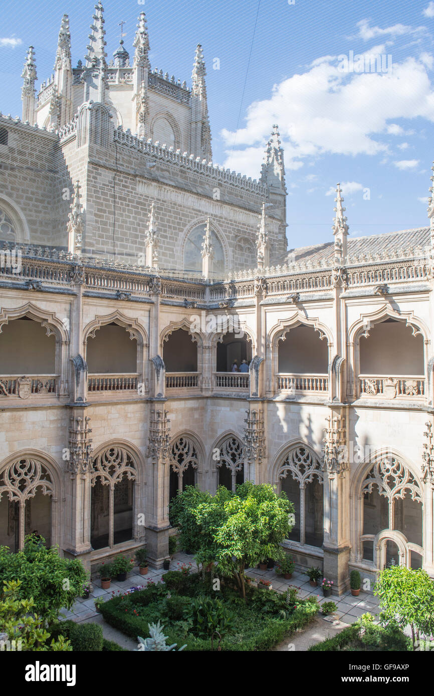 Gardens in the central cloister of the Monastery of San Juan de los Reyes in Toledo Spain - Stock Image