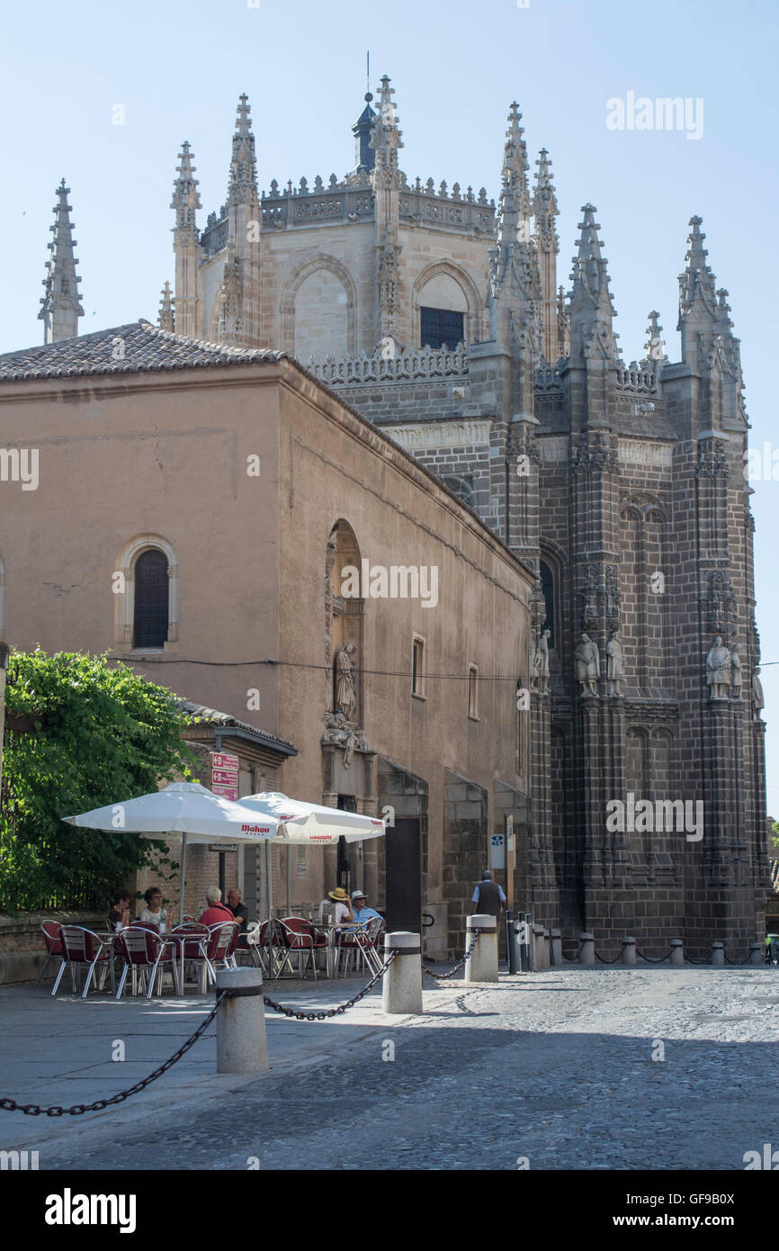 Cafe outside the Monastery of San Juan de los Reyes in Toledo Spain - Stock Image
