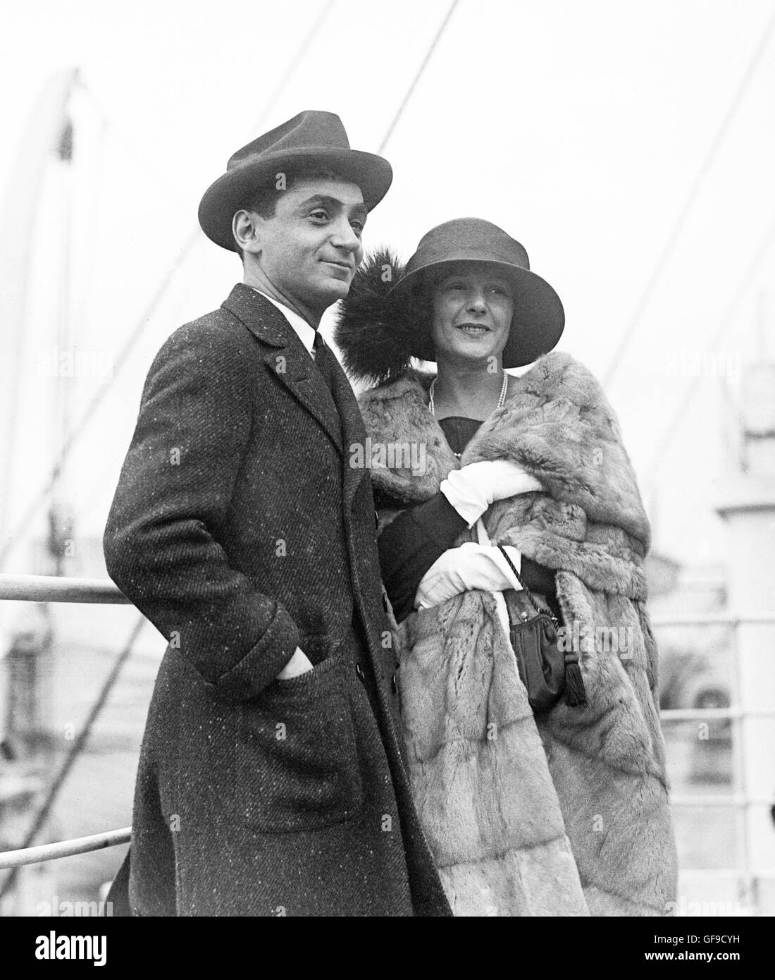Irving Berlin (1888-1989) with his first wife, Dorothy Goetz. Photo from Bain News Service, undated but c.1912. - Stock Image