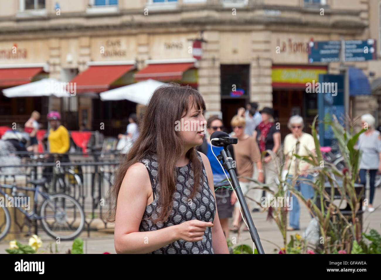 Bristol, UK. 30th July, 2016. Amelia Womack, deputy leader of the Green Party of England and Wales, addresses demonstrators Stock Photo