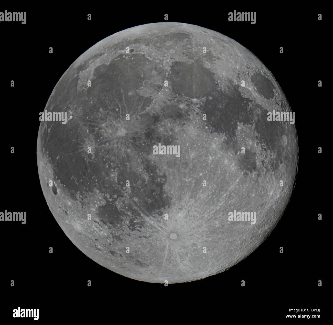 Real Full Moon Beautiful night sky - Stock Image