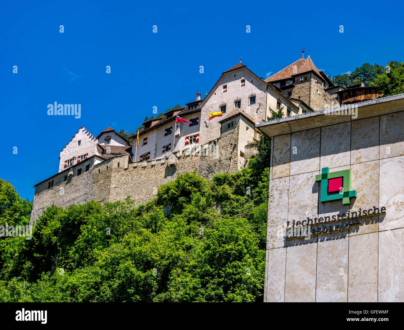 Bank building of Liechtensteinische Landesbank in front of the castle of Vaduz, Principality of Liechtenstein, Europe - Stock Image
