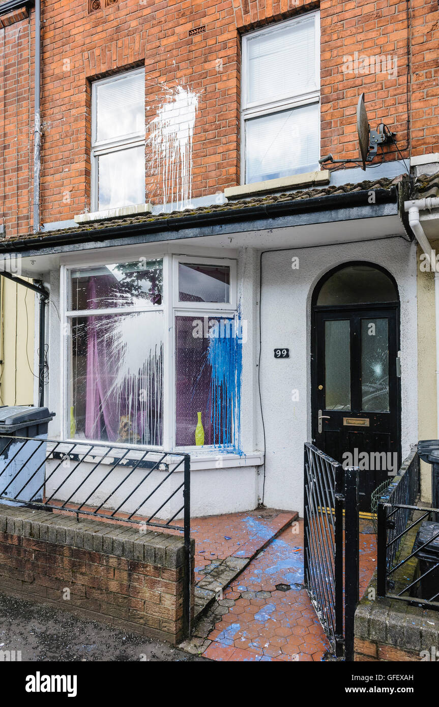 Belfast, Northern Ireland. 29 Jul 2014 - The homes of three Slovakian familes were attacked, windows broken on houses - Stock Image