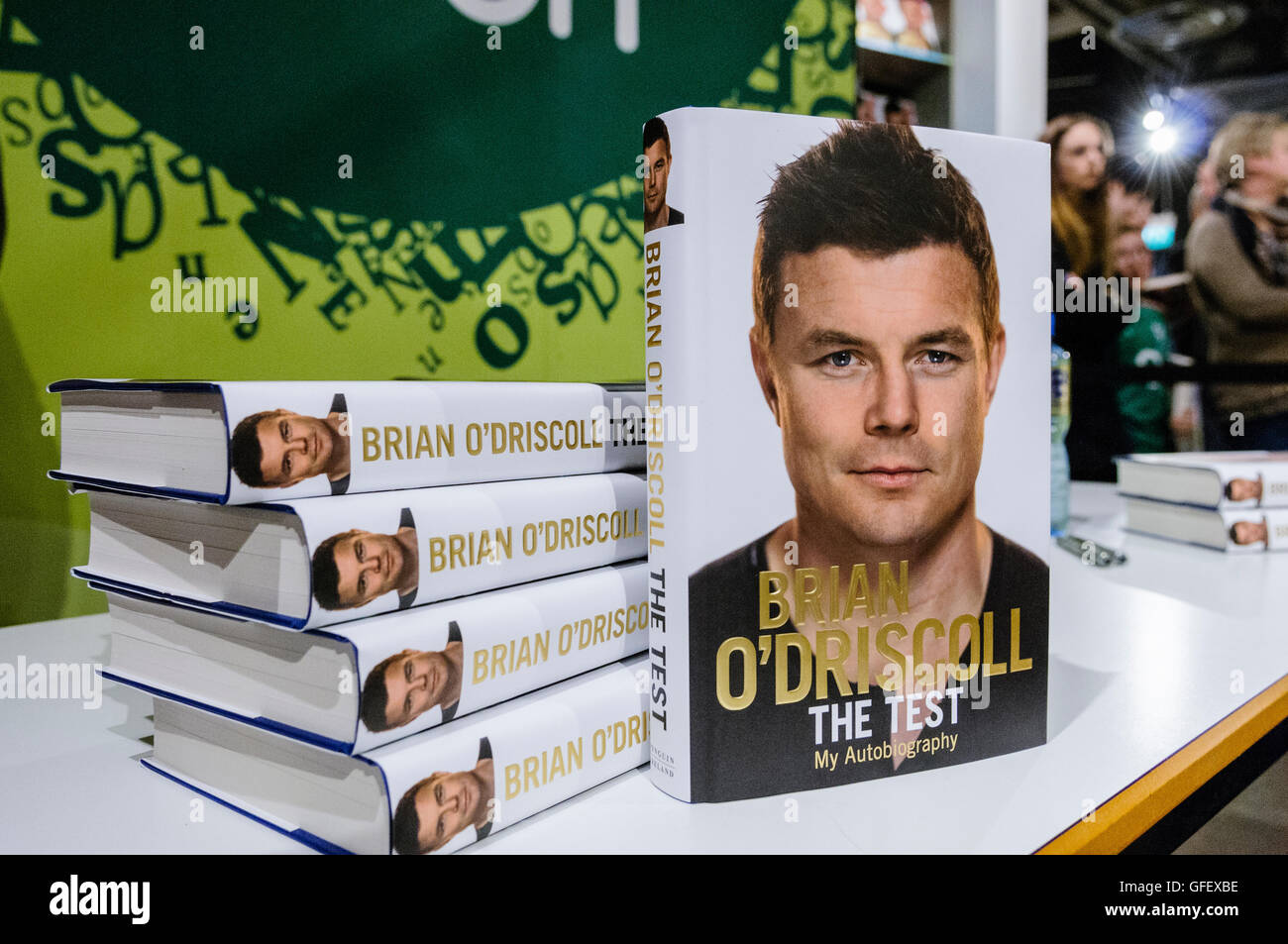 Belfast, Northern Ireland. 15 Nov 2014 - Former Irish Rugby captain Brian O'Driscoll signs copies of his autobiography - Stock Image