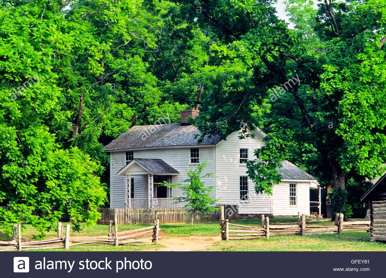 The historic farmhouse at the Duke Homestead and Tobacco Museum dates from 1852. Durham, N. Carolina, USA - Stock Image
