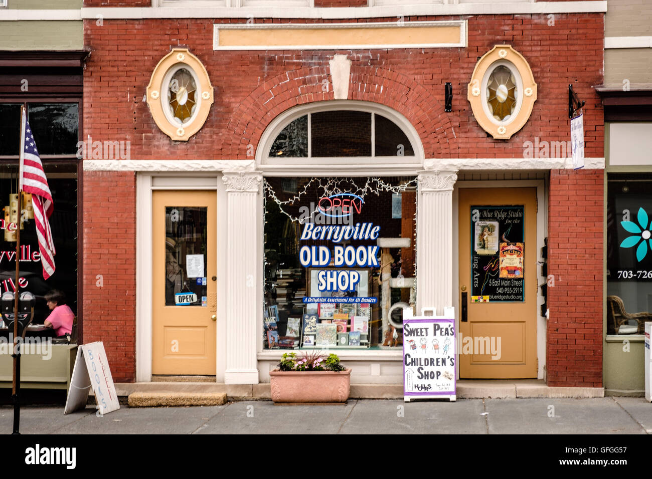 Berryville Old Book Shop, former First National Bank building, 7 East Main Street, Berryville, Virginia - Stock Image