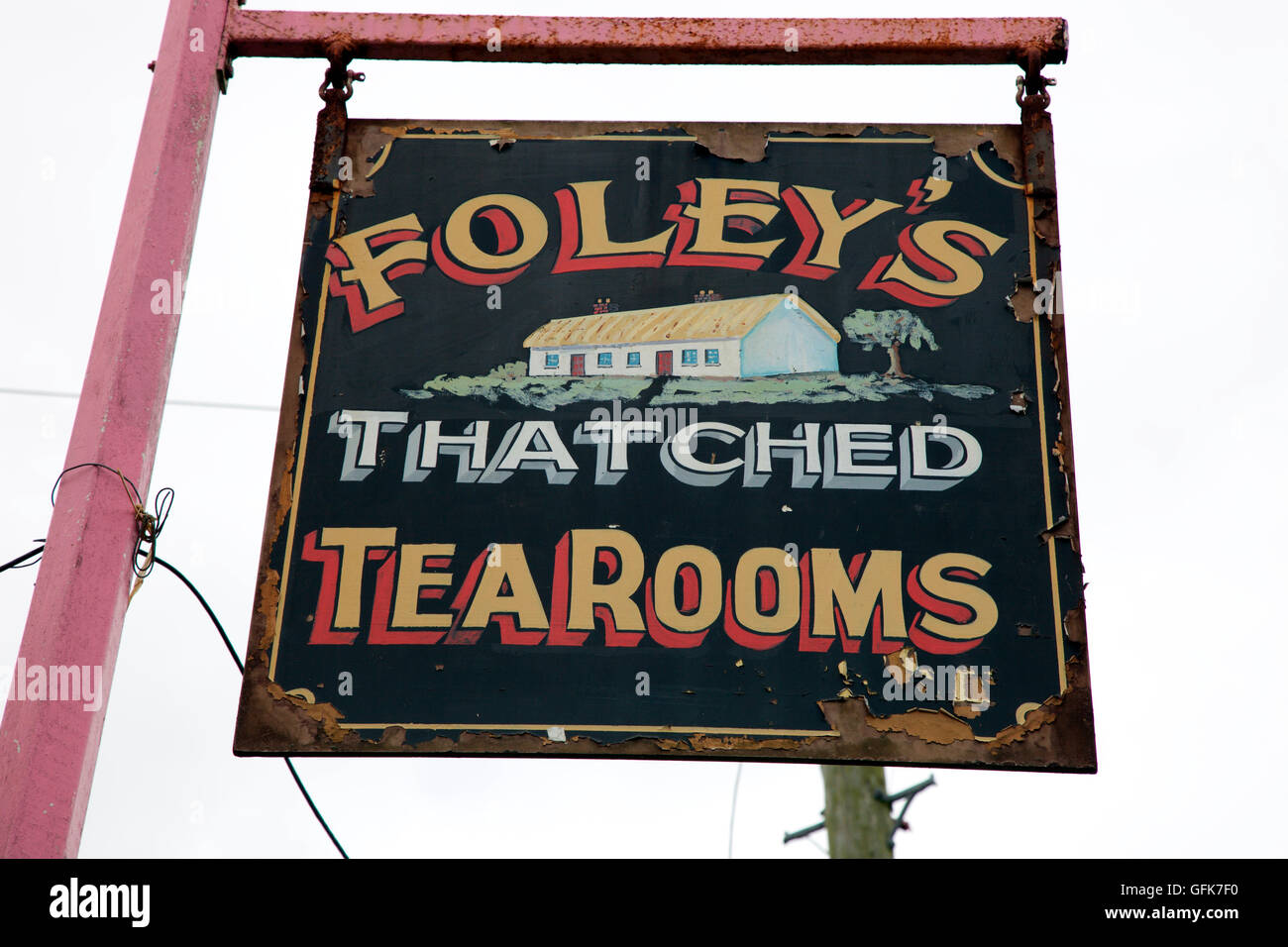 sign for Foley's thatched 18th century tearoom in Castlebellingham - Stock Image