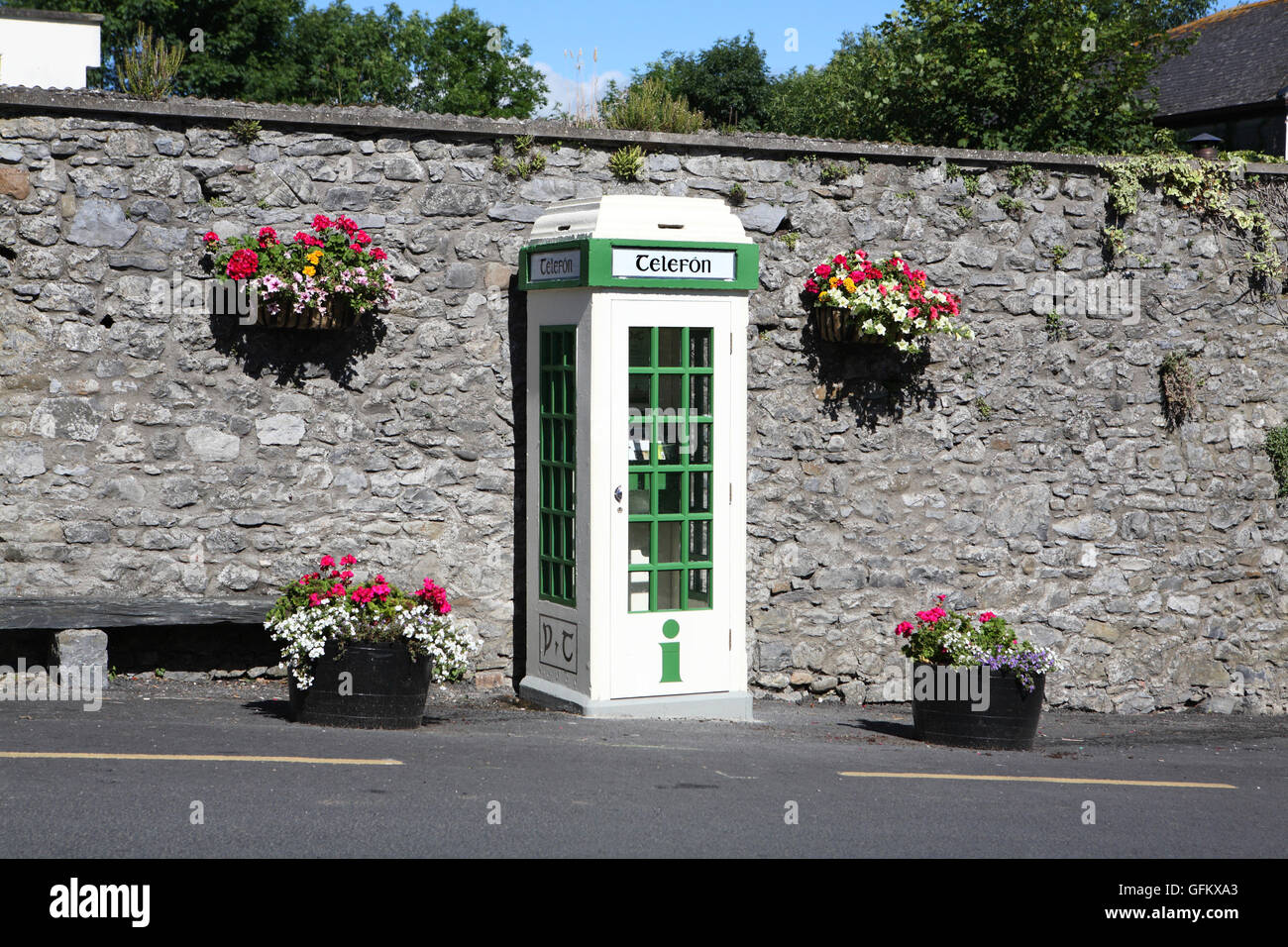 Telefon box telephone box Irish - Stock Image