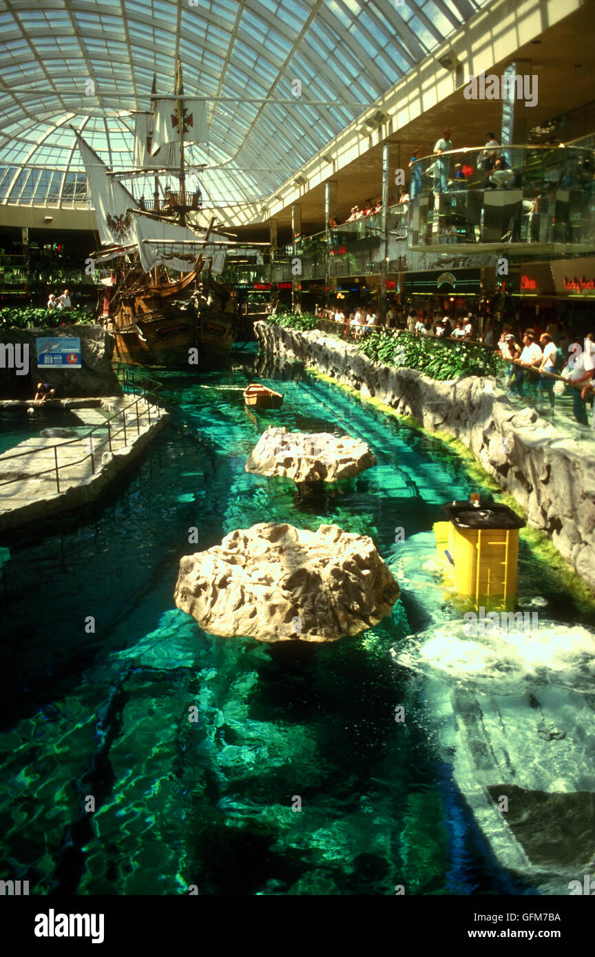 Edmonton: West Edmonton Mall Stock Photos & West Edmonton Mall Stock