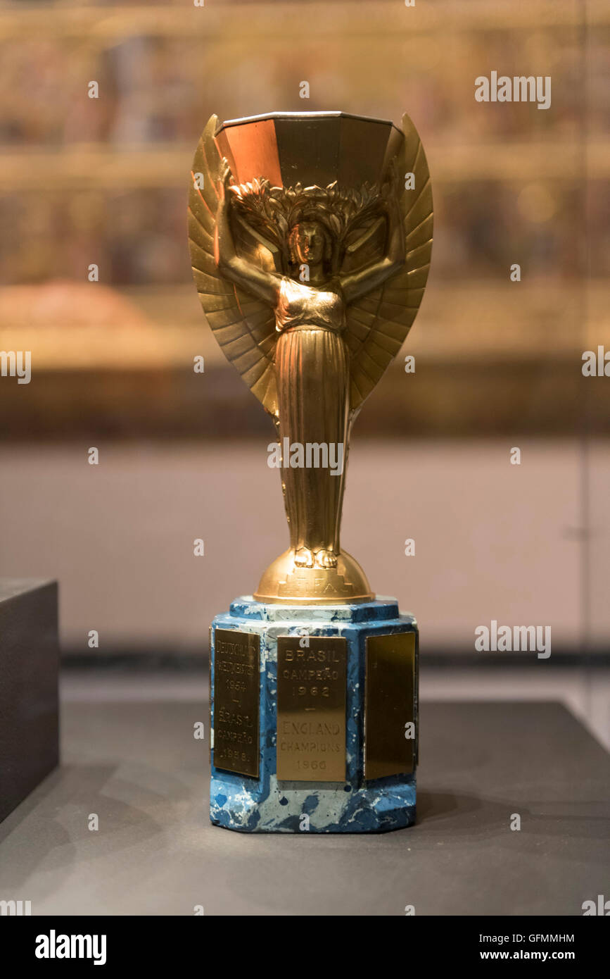 London, UK.  31 July 2016.  The duplicate Jules Rimet trophy on display for one day only at the Victoria and Albert Stock Photo