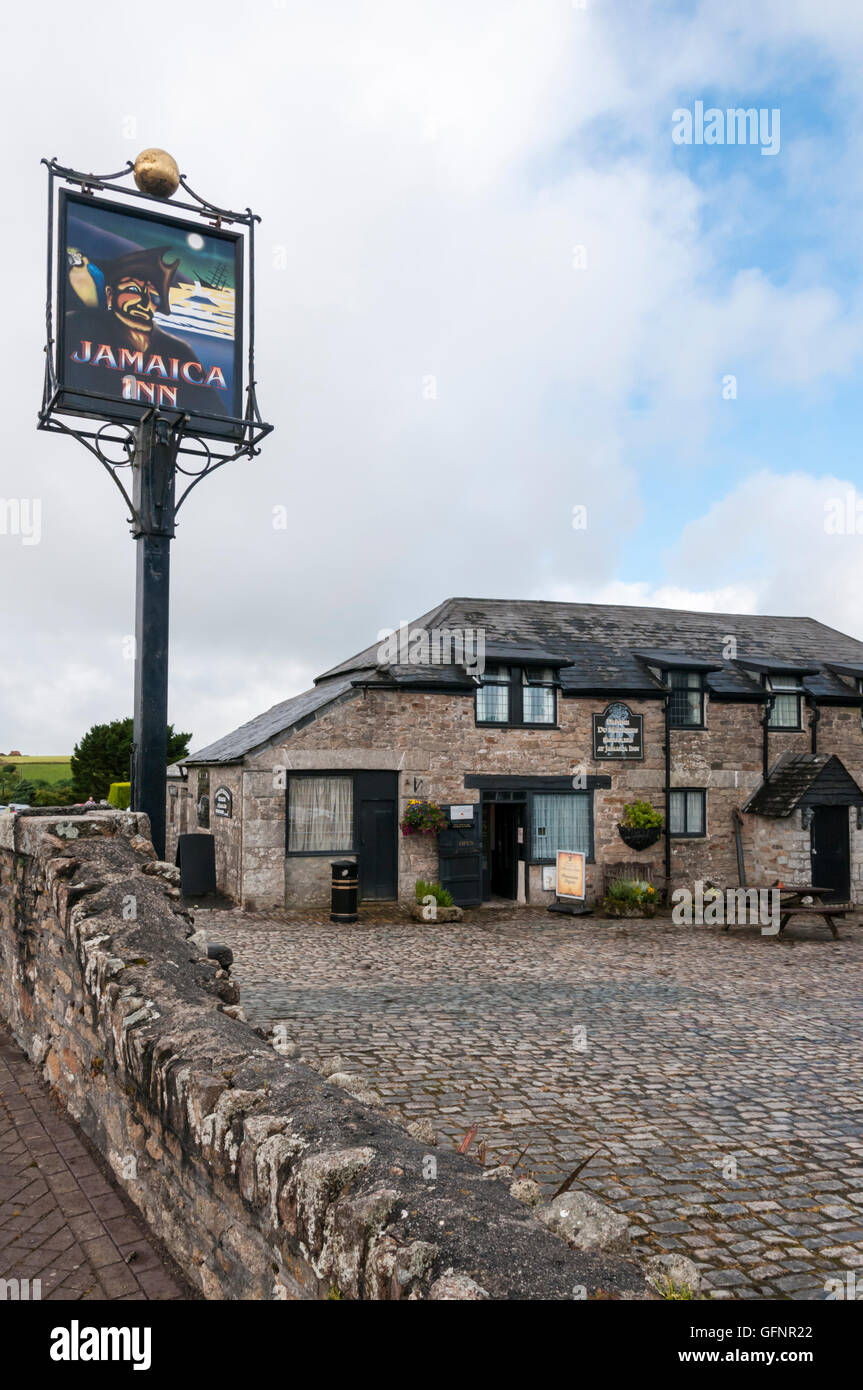 Jamaica Inn on Bodmin Moor was the setting for the novel of the same name by Daphne du Maurier. - Stock Image