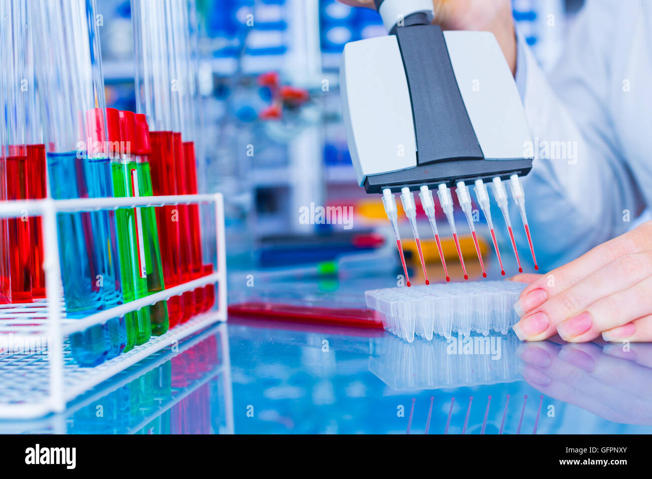 Woman in laboratory developed of vaccines - Stock Image
