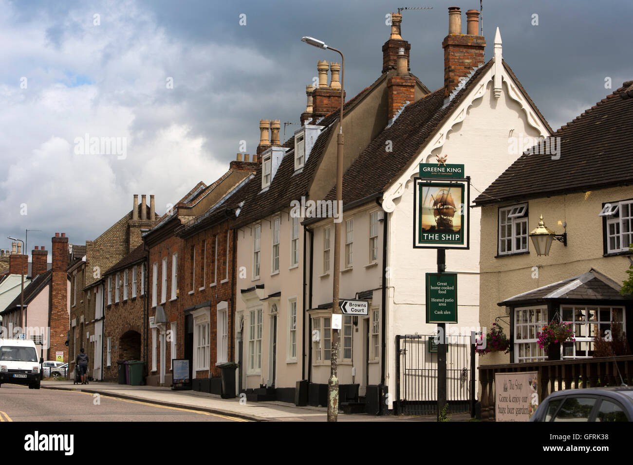 UK, England, Bedfordshire, Bedford, St Cuthbert Street, historic houses and Ship pub - Stock Image