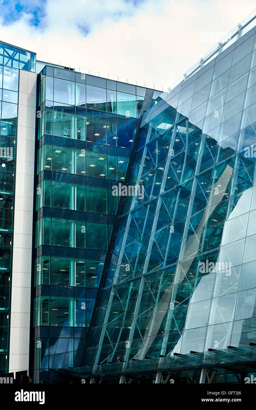Central Square, Leeds architecture building glass glazing angles - Stock Image