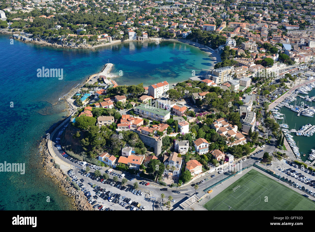 SEASIDE RESORT OF BANDOL WITH ITS BLUE COVE (aerial view). Provence, France. - Stock Image