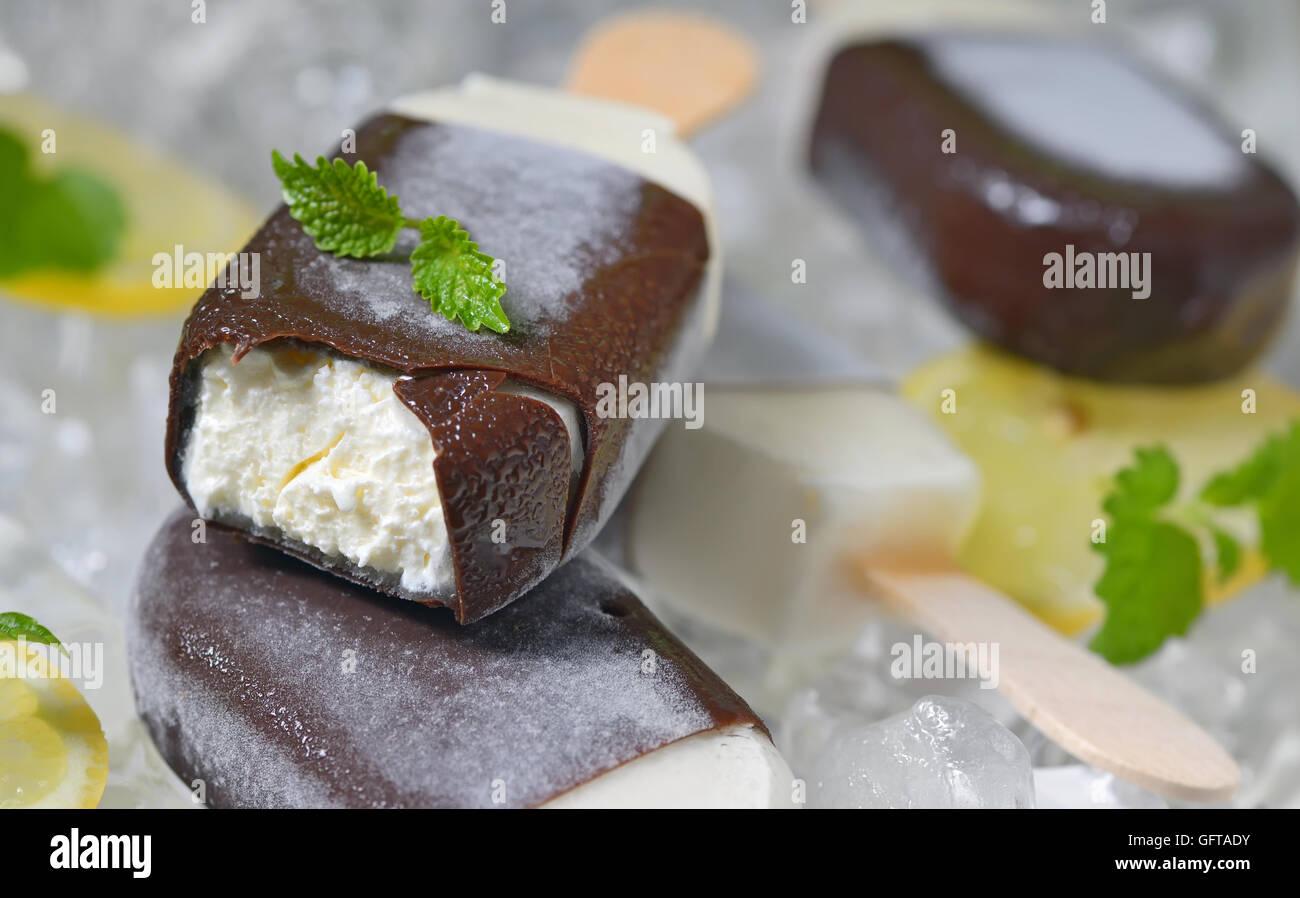 Lemon and mint  ice-cream on ice - Stock Image