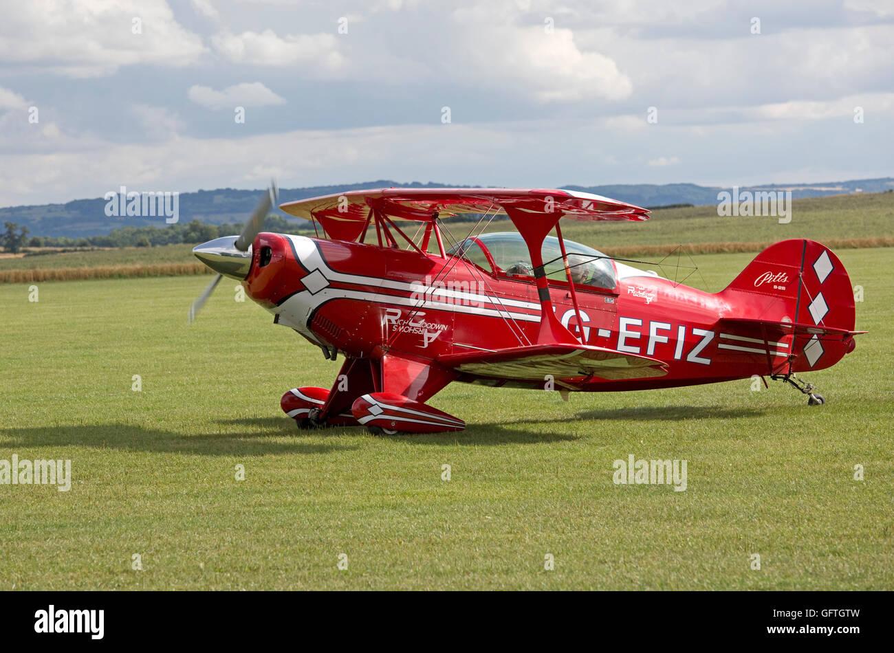 Red Pitts S2B aerobatic biplane Bidford Gliding & Flying Club UK - Stock Image