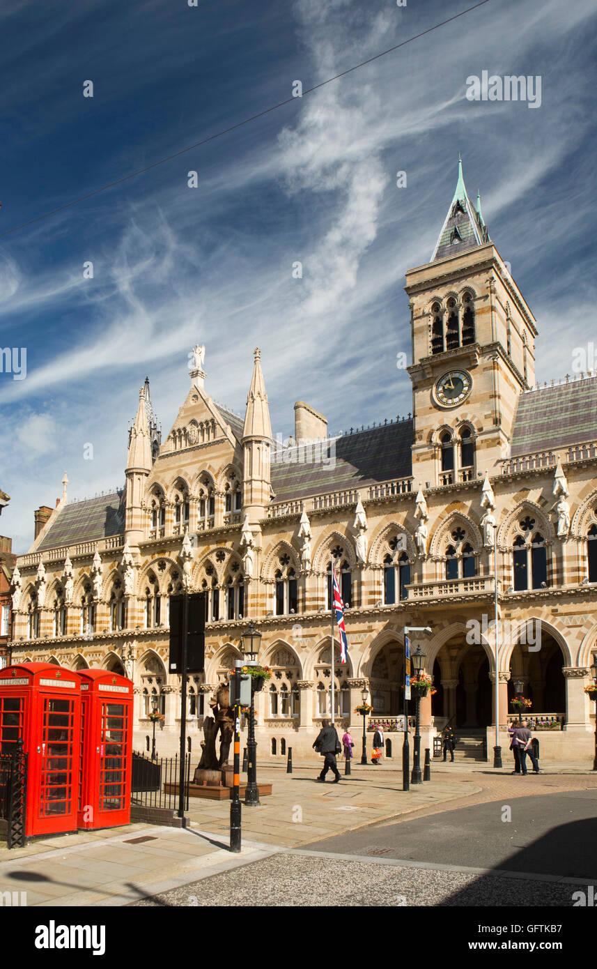 UK, England, Northamptonshire, Northampton, St Giles' Sq, 1864 Guildhall by architect Edward William Godwin - Stock Image
