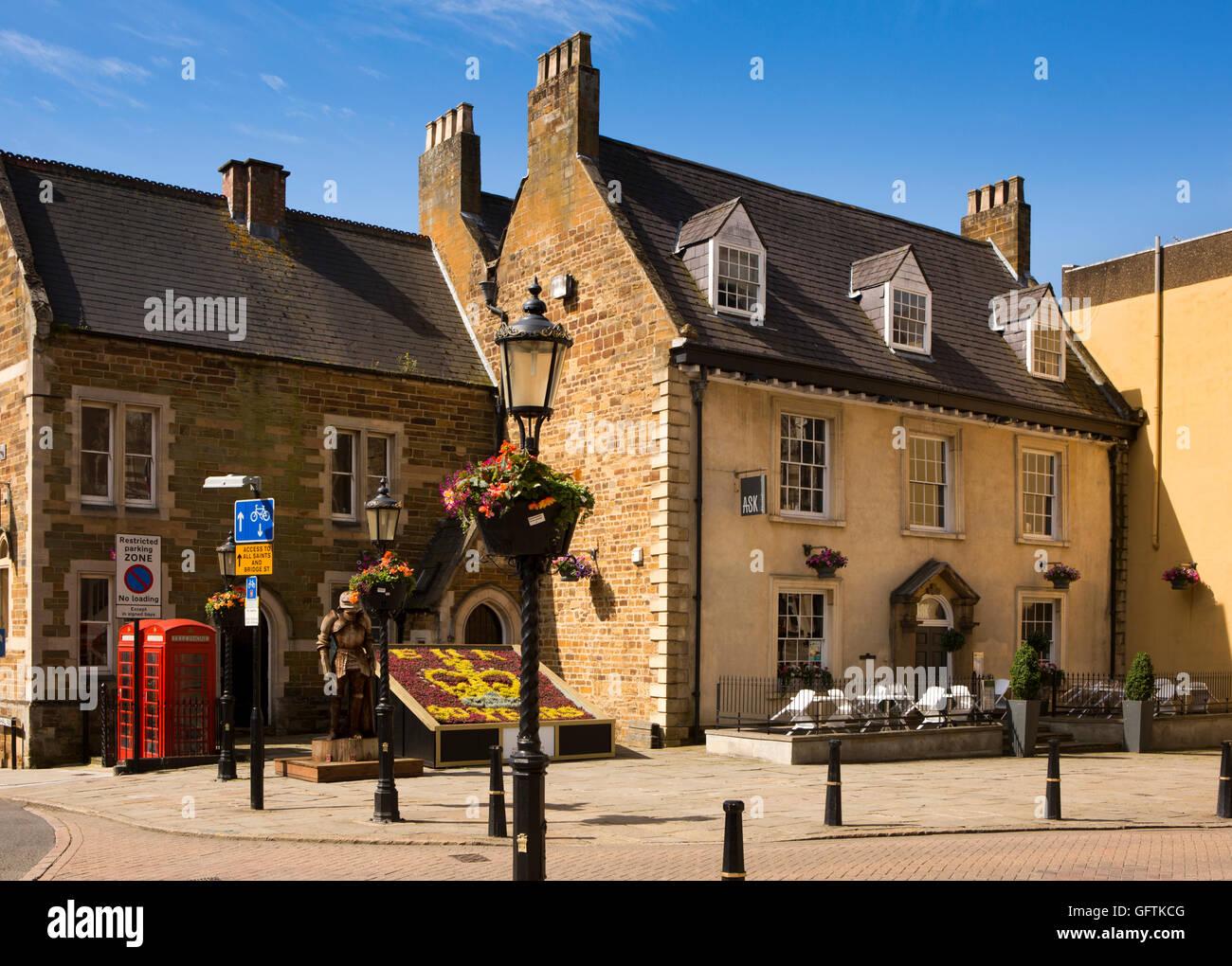UK, England, Northamptonshire, Northampton, St Giles' Square - Stock Image