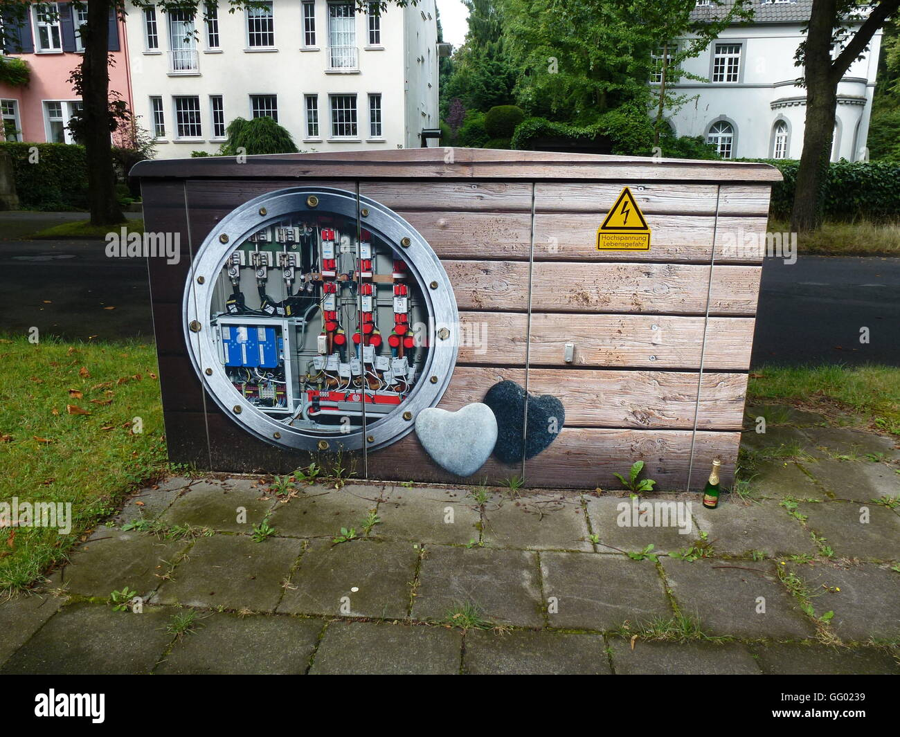 An electrical substation in Cologne, Germany, 31 July 2016. RheinEnergie is sprucing up the substations with artistic - Stock Image