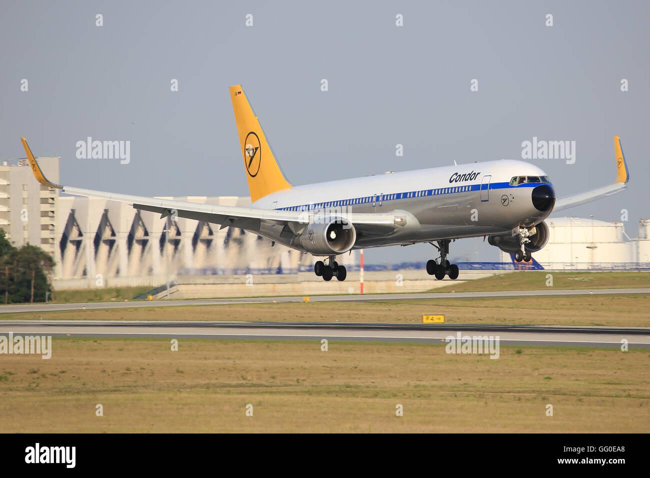 Xl seats 767 condor Review: Condor