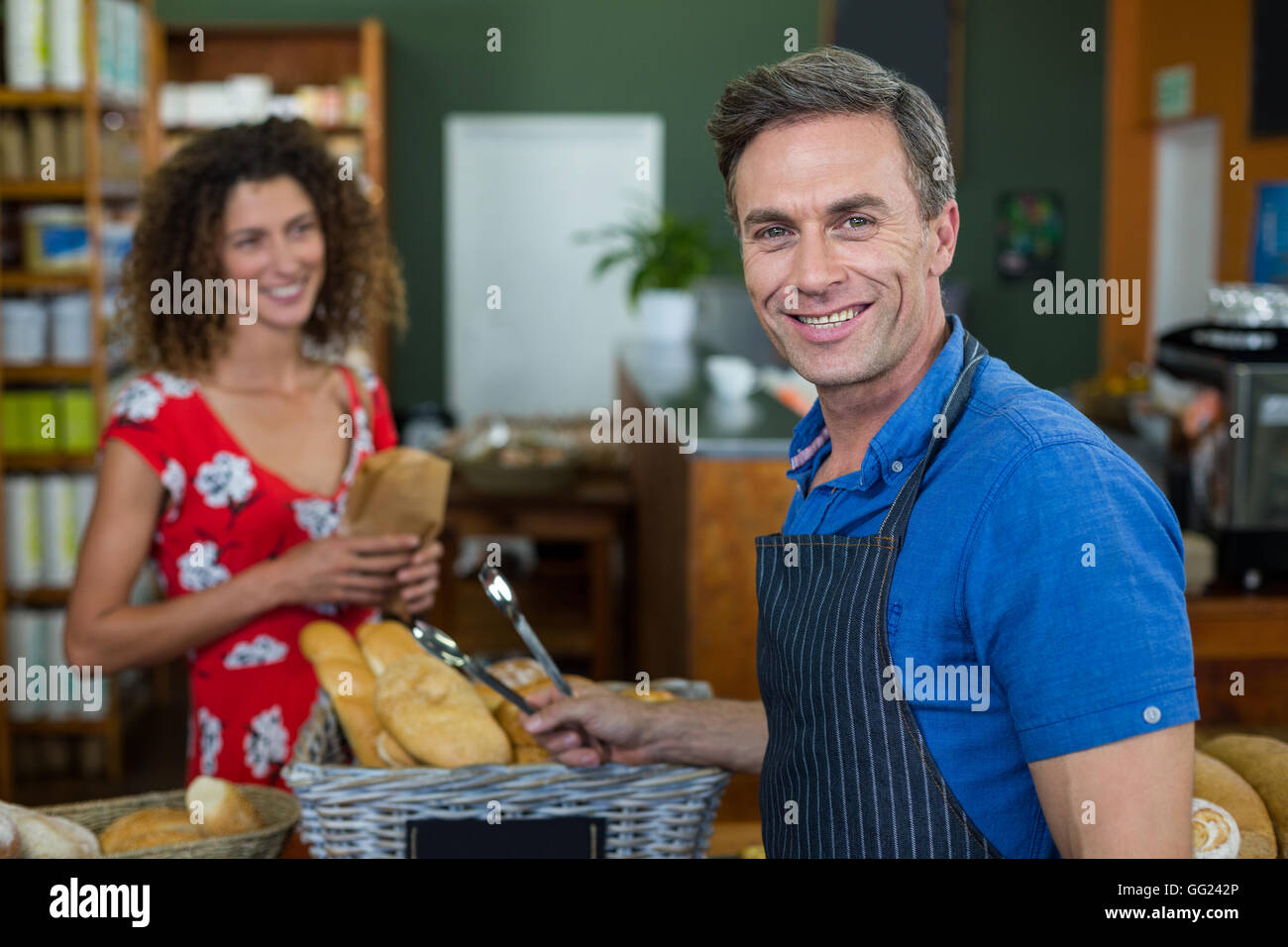 Store Staff Stock Photos Amp Store Staff Stock Images Alamy