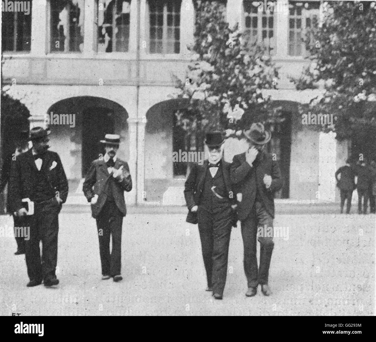 Dreyfus affair, the Rennes trial (1899): M. Freycinet coming out of the trial after having given evidence - Stock Image