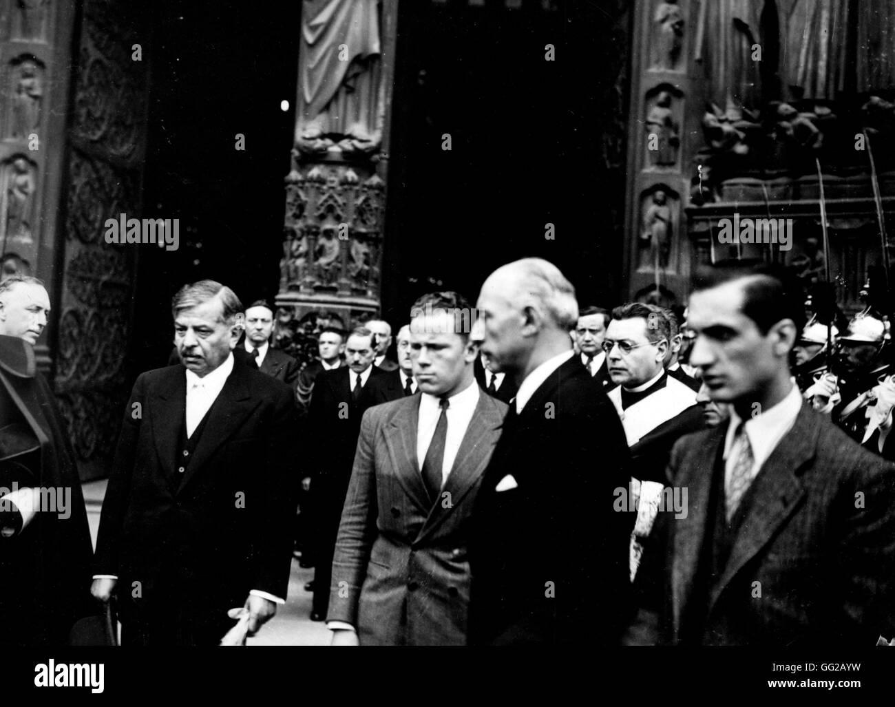 Pétain à Notre-Dame de Paris le 26 avril 1944 WW2