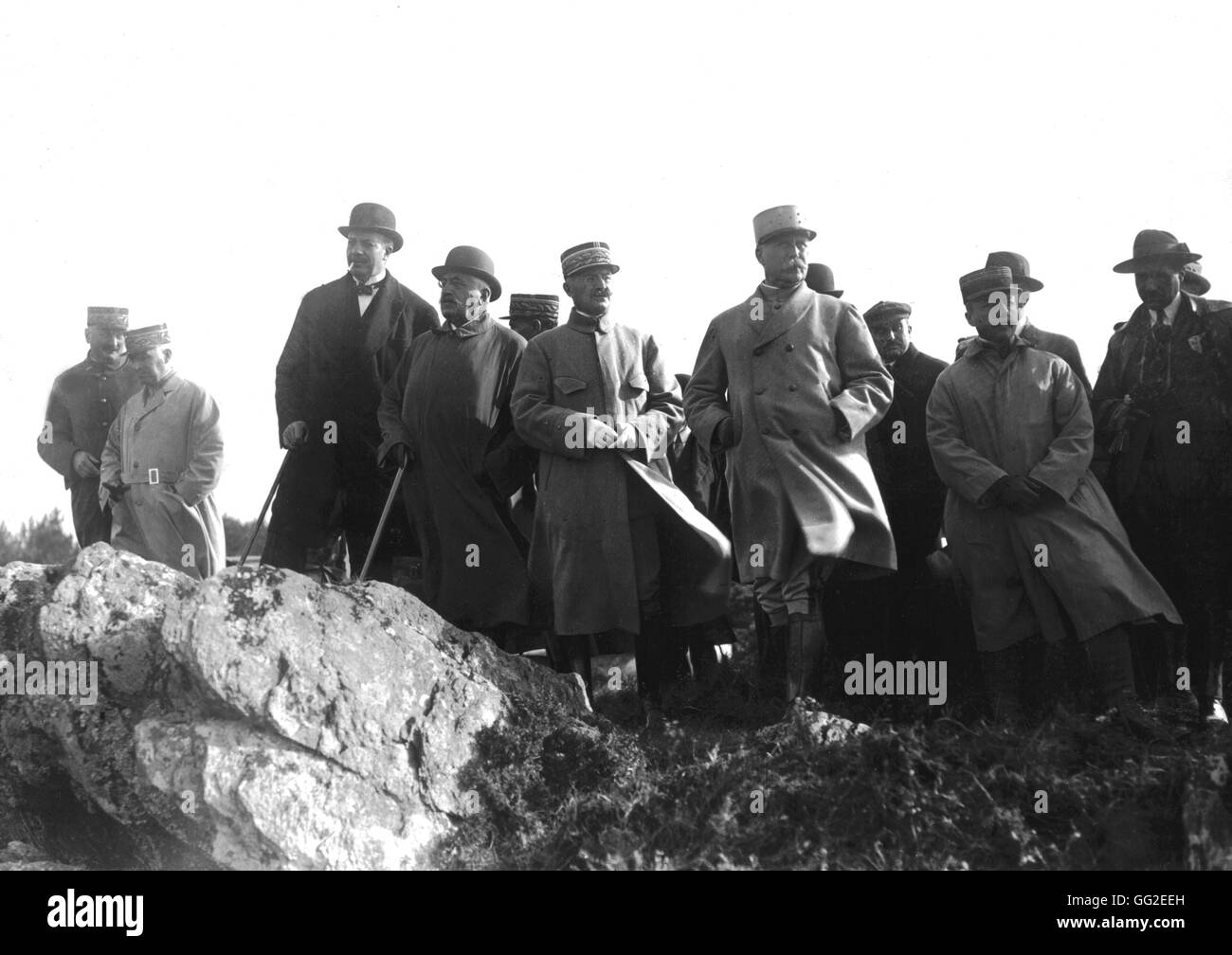 Great army manoeuvres in Coëtquidan. Generals Giraud and Boissondy, minister of War Maginot, President Millerand - Stock Image