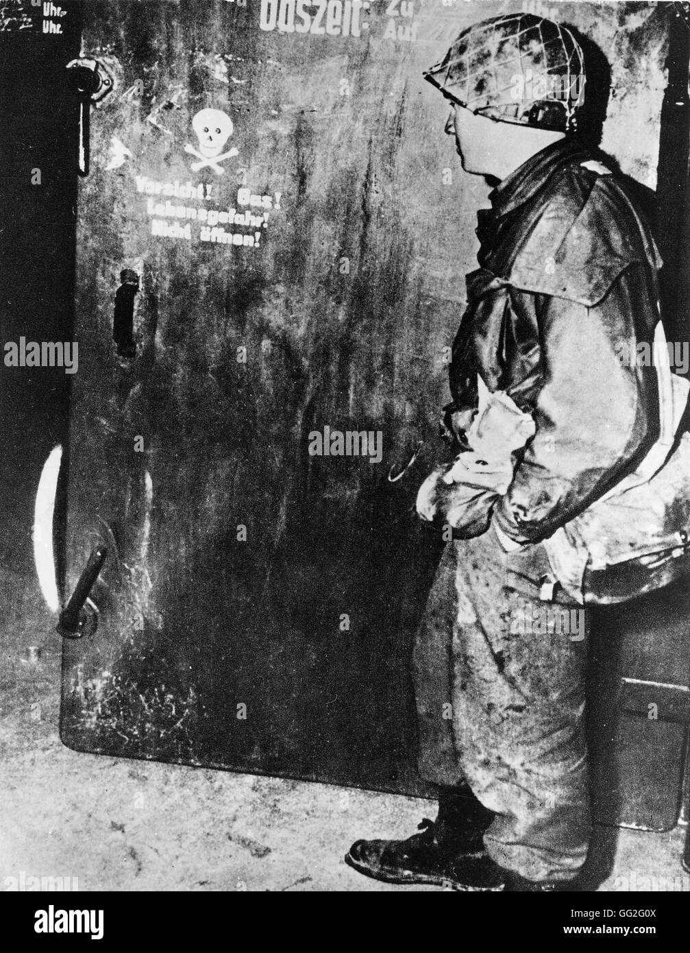 Gas Chamber Black and White Stock Photos & Images - Alamy