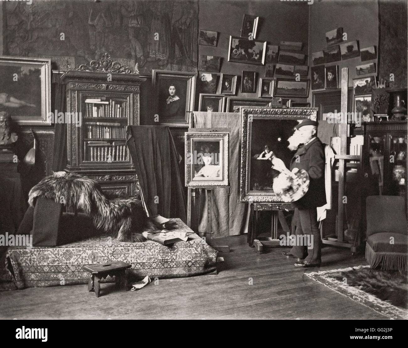 French painter Jean-Jacques Henner in his studio located 11 rue Pigalle in the 9th arrondissement in Paris. On the - Stock Image