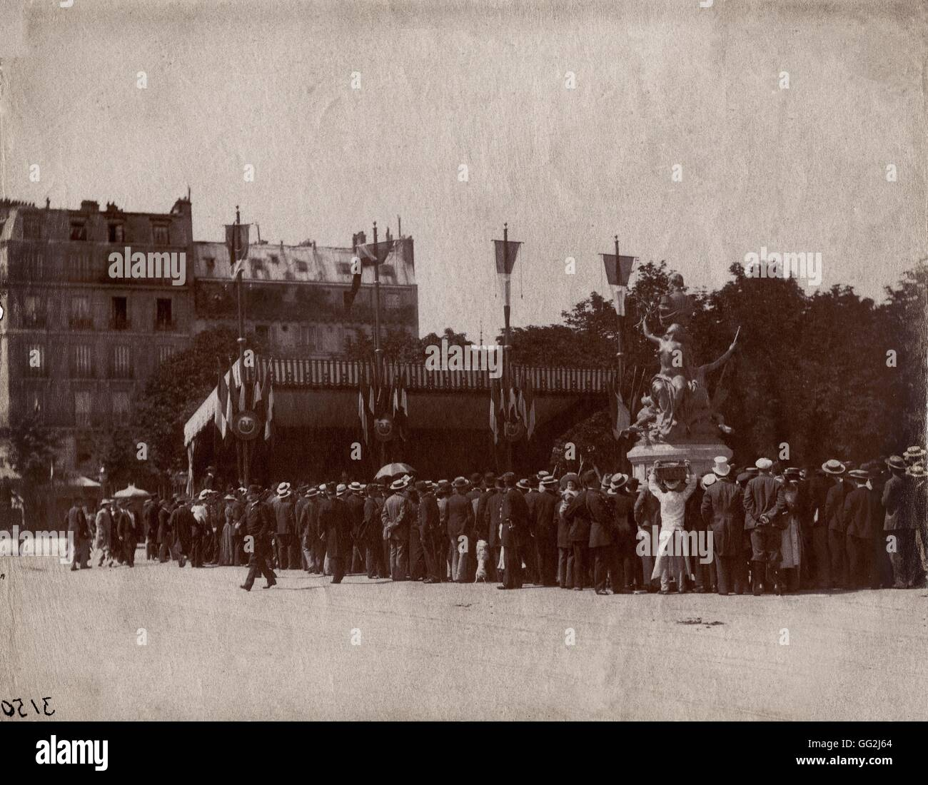 Eugène Atget Inauguration of the Francis Garnier statue (designed by French sculptor Denys Puech) located Place - Stock Image