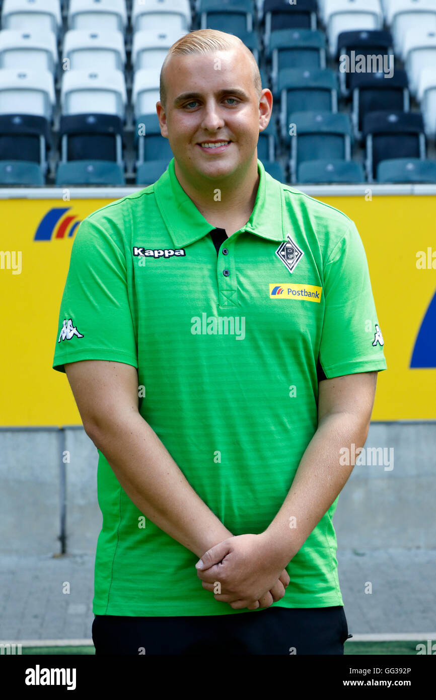 football, Bundesliga, 2016/2017, Borussia Moenchengladbach, press photo shooting, portrait, kitman Christian Rieger - Stock Image