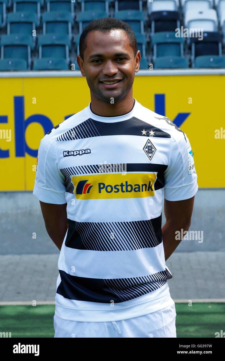 football, Bundesliga, 2016/2017, Borussia Moenchengladbach, press photo shooting, portrait, Raffael - Stock Image