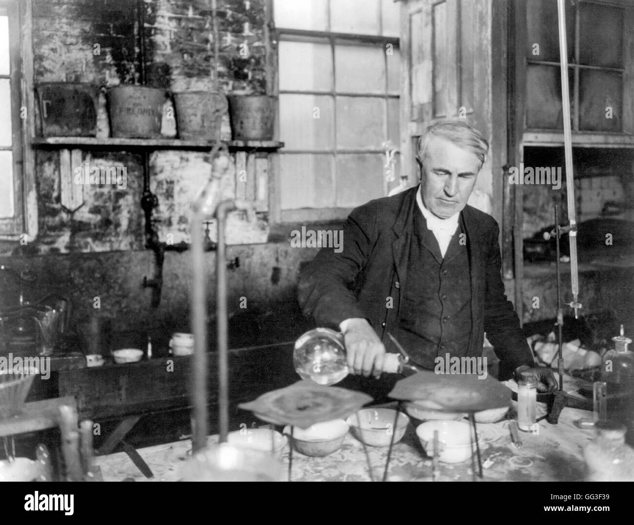 Thomas edison the american inventor and businessman for The edison