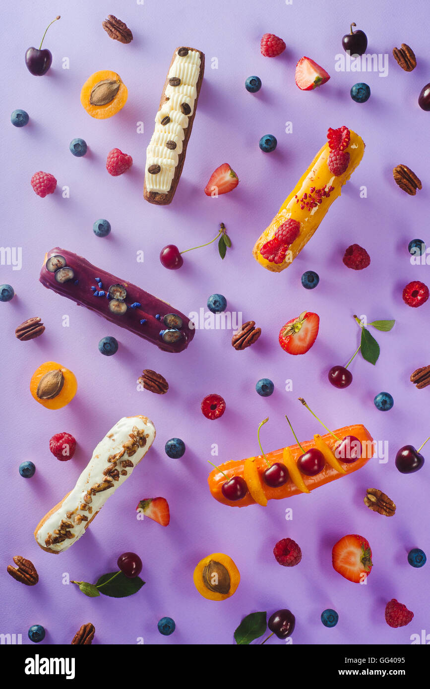 Sweet patterns: eclairs - Stock Image