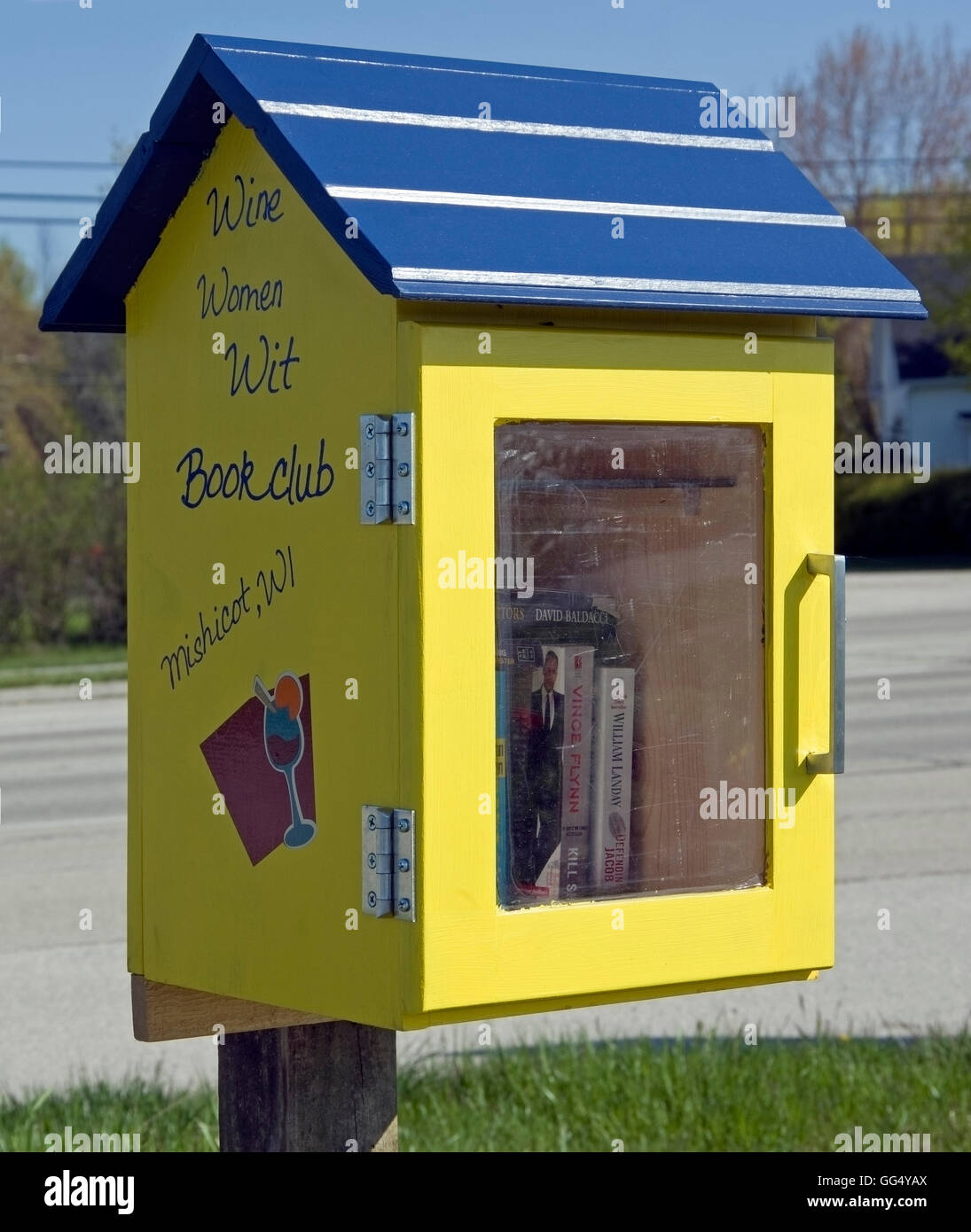 Neighborhood Library, or Little Library book exchange located on Mariner's Trail along Lake Michigan, Two Rivers, - Stock Image