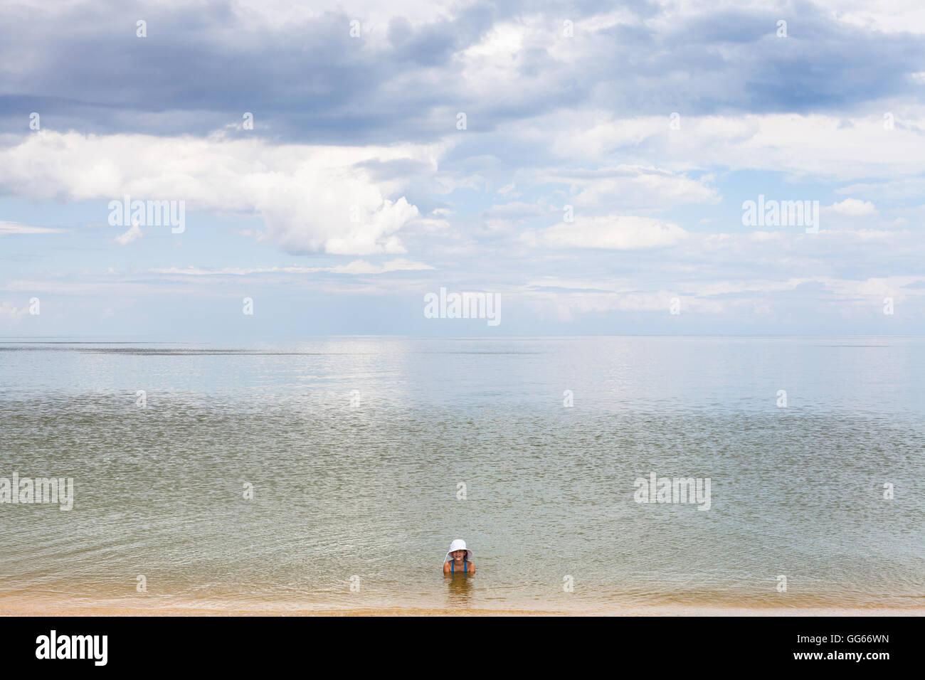 Who is relaxing in Golubitskaya 54